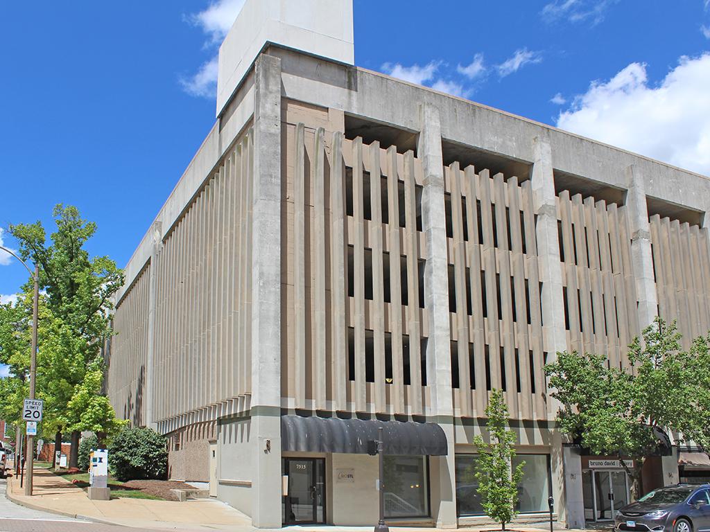 7515 Forsyth Blvd Building image